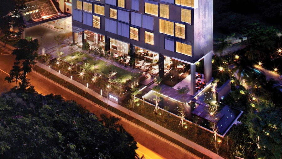 Quincy Hotel (SG Clean)