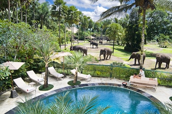 Elephant Safari Park Lodge