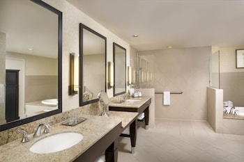 Executive Suite, 1 King Bed, Accessible (Roll-in Shower) - Bathroom