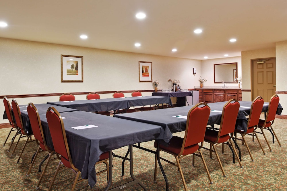 Meeting Facility, Country Inn & Suites by Radisson, Marion, IL