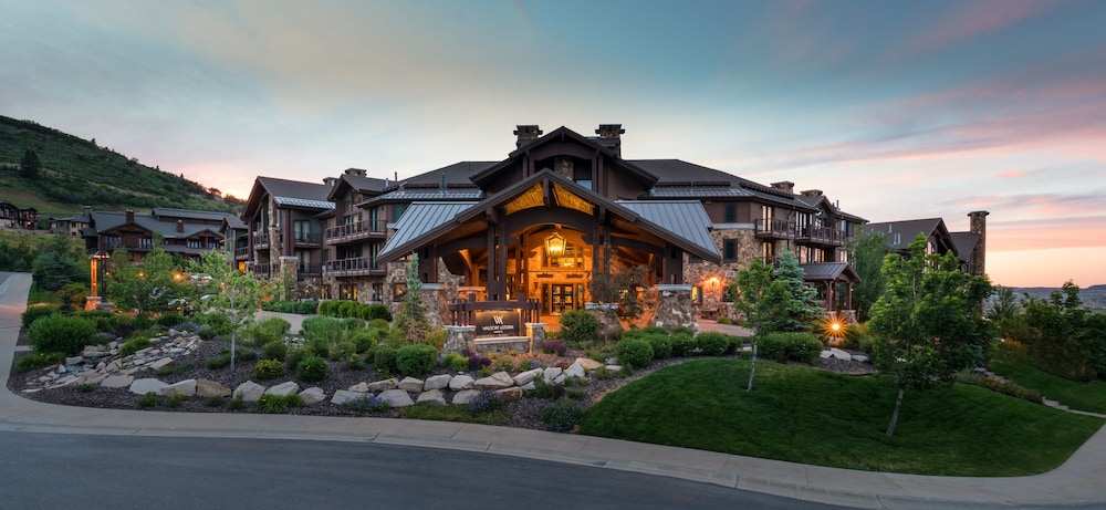 Front of Property, Waldorf Astoria Park City