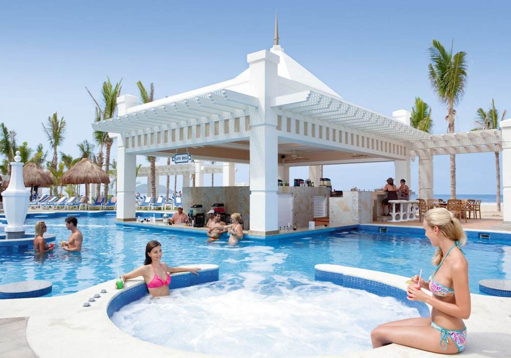 Outdoor Spa Tub, Riu Emerald Bay All Inclusive