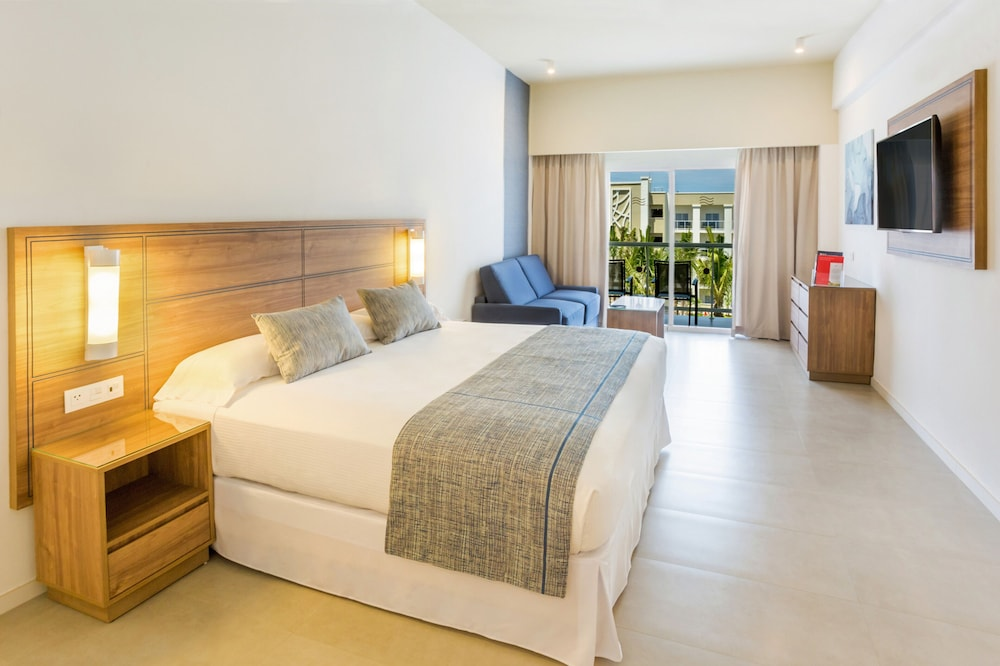 Room, Riu Emerald Bay All Inclusive