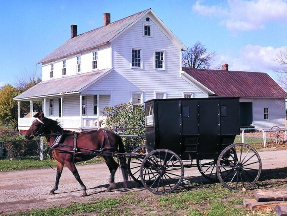 Point of Interest, Amish Inn