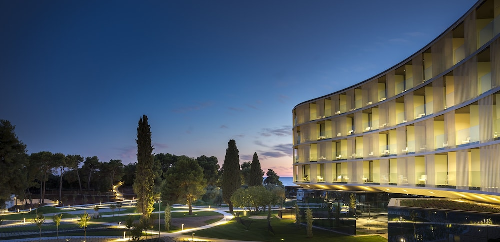 Front of Property - Evening/Night, Family Hotel Amarin, Rovinj