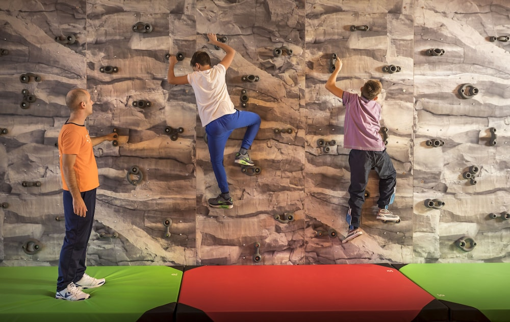Rock Climbing Wall - Indoor, Family Hotel Amarin, Rovinj