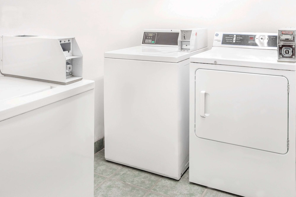 Laundry Room, Super 8 by Wyndham San Angelo