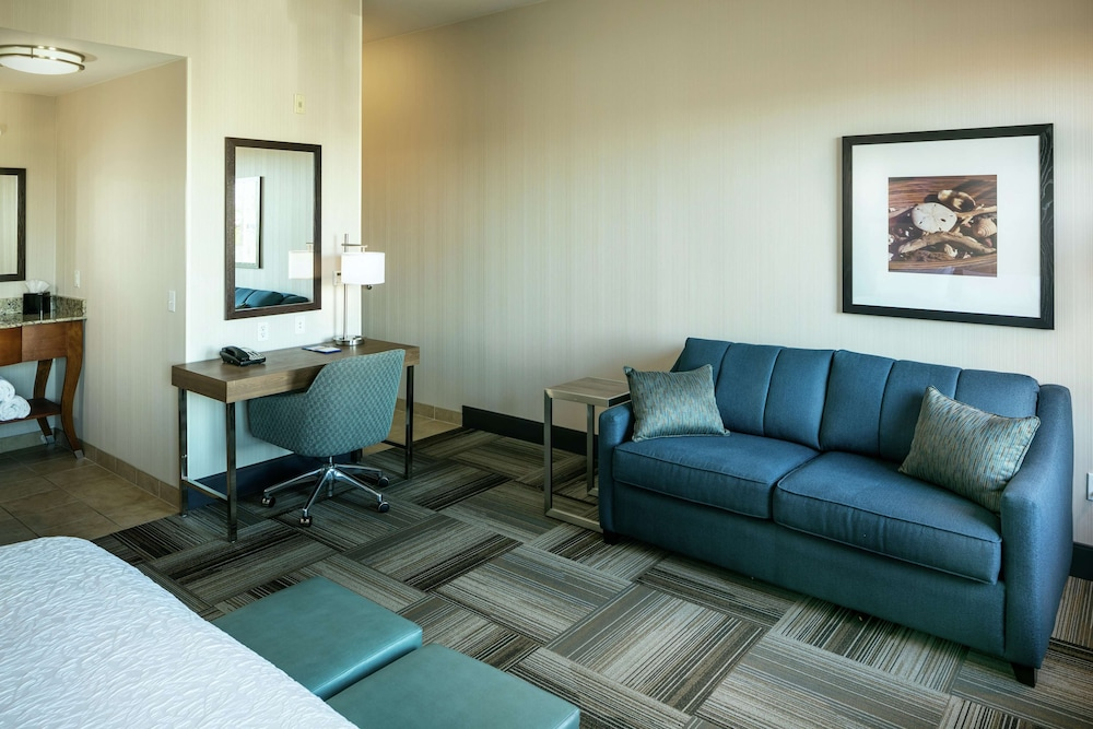 Living Area, Hampton Inn & Suites Arroyo Grande/Pismo Beach Area