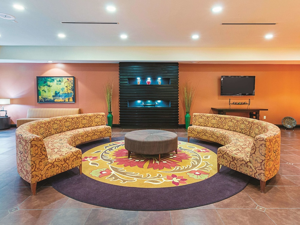 Lobby, La Quinta Inn & Suites by Wyndham Woodway - Waco South