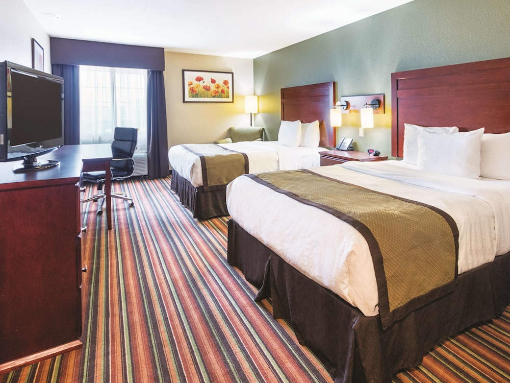 Room, La Quinta Inn & Suites by Wyndham Woodway - Waco South