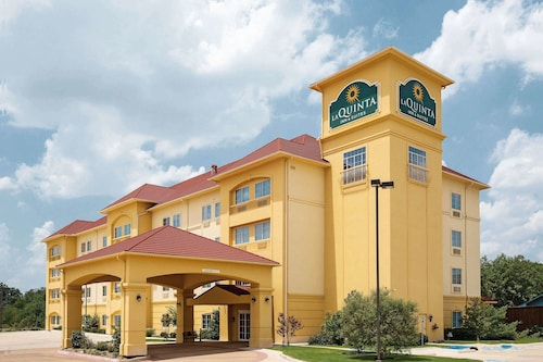 La Quinta Inn & Suites by Wyndham Fort Worth NE Mall