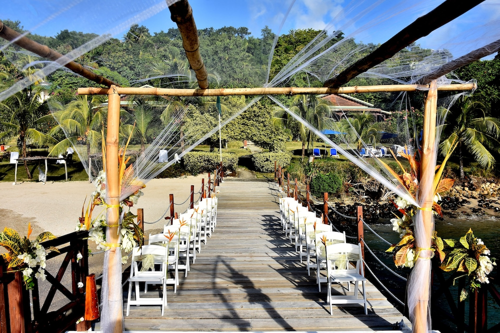 Outdoor Wedding Area, Calabash Cove Resort And Spa - Adults Only