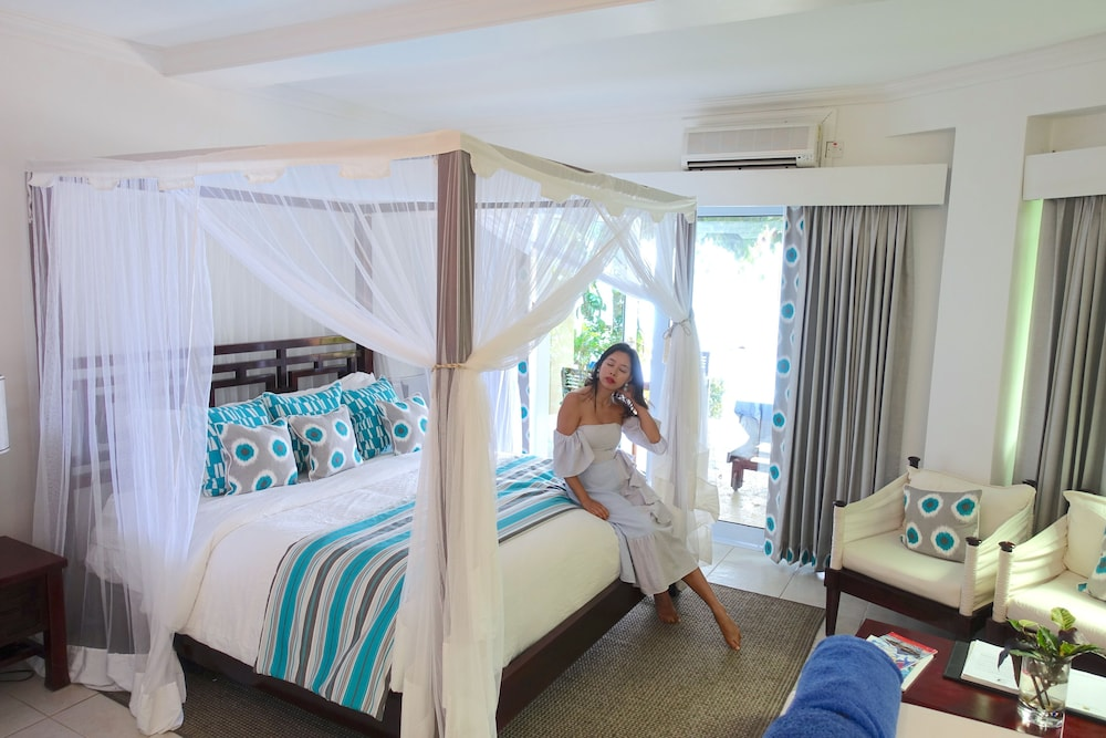 Room, Calabash Cove Resort And Spa - Adults Only