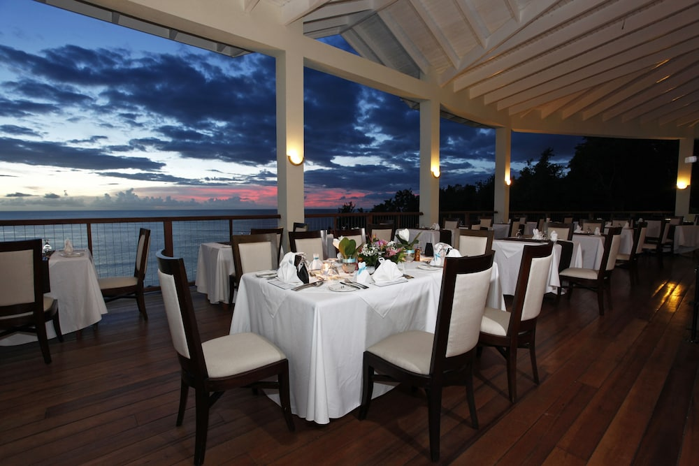 Dining, Calabash Cove Resort And Spa - Adults Only