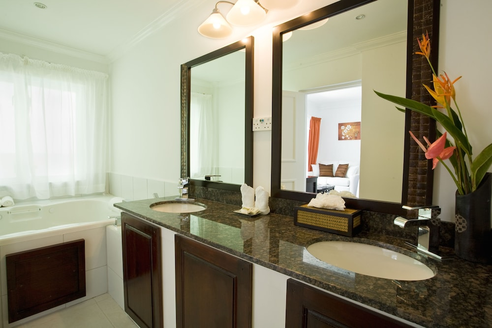 Bathroom, Calabash Cove Resort And Spa - Adults Only