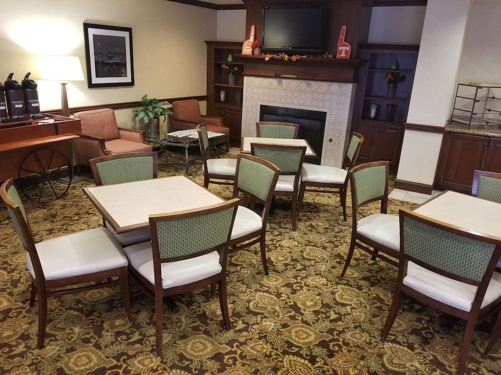 Breakfast Area, Country Inn & Suites by Radisson, Knoxville at Cedar Bluff, TN