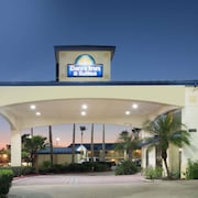 Days Inn And Suites Winnie
