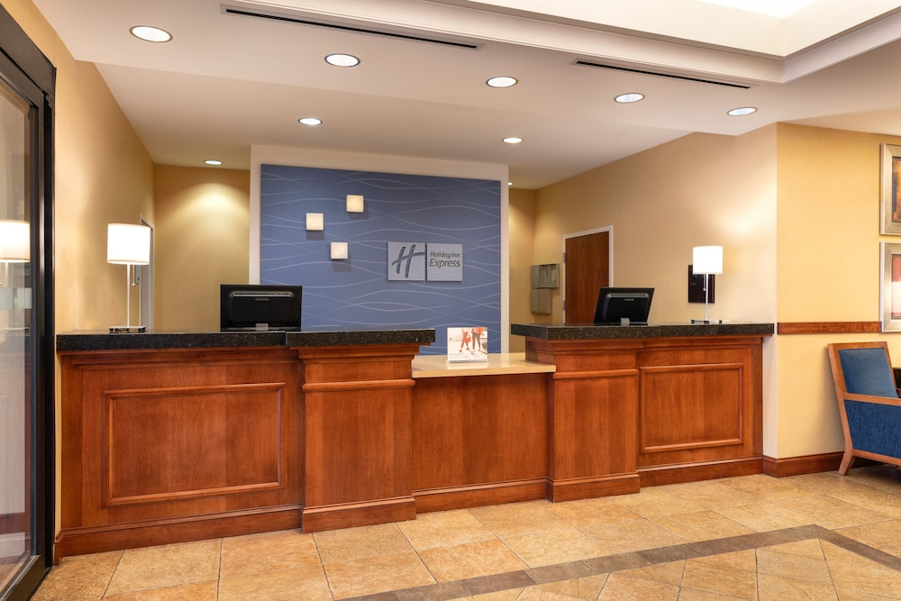Lobby, Holiday Inn Express Hotel & Suites Denver Airport