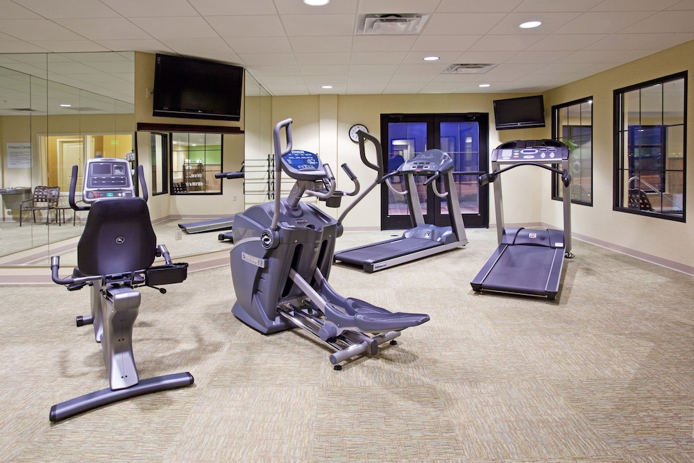 Fitness Facility, Holiday Inn Express Hotel & Suites Denver Airport