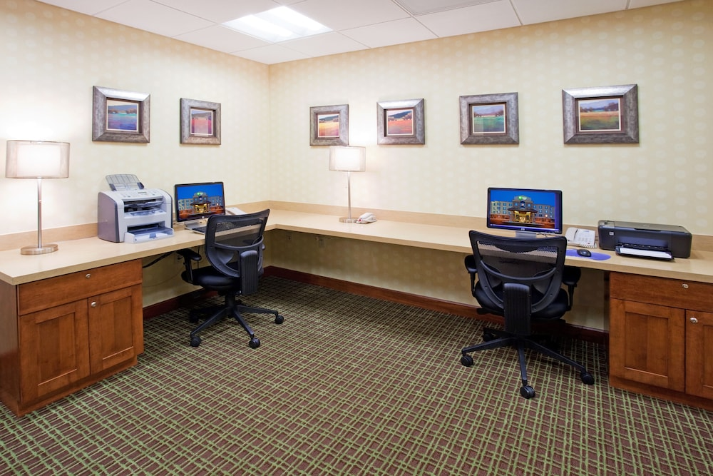 Business Center, Holiday Inn Express Hotel & Suites Denver Airport