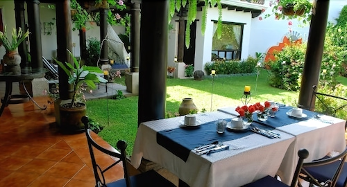Outdoor Dining, Casa Madeleine Boutique Hotel & Spa