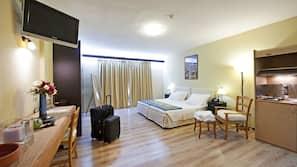 Hypo-allergenic bedding, Tempur-Pedic beds, in-room safe, desk