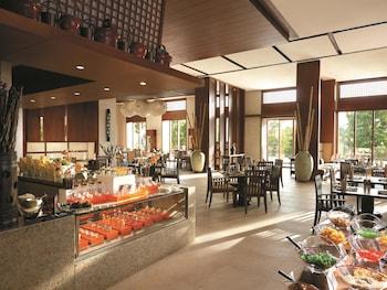 Shangri-La's Boracay Resort and Spa - Reviews, Photos