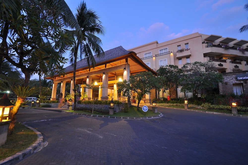 Front of Property - Evening/Night, Kuta Paradiso Hotel