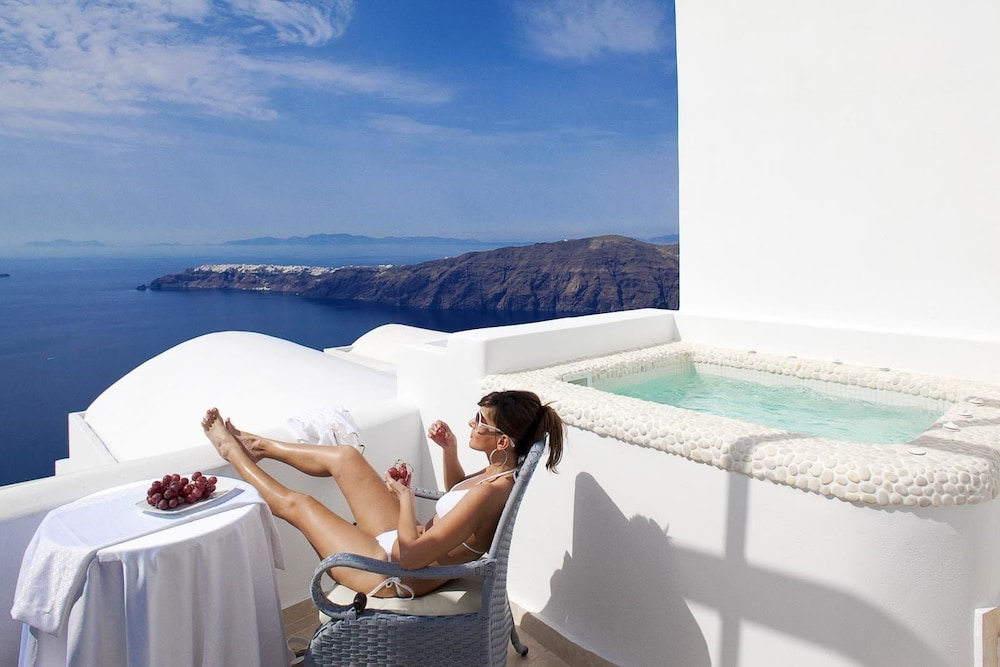 above blue suites in santorini island hotel rates reviews on orbitz. Black Bedroom Furniture Sets. Home Design Ideas