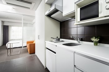 Studio Executive Twin - In-Room Kitchen