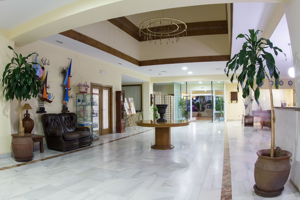 Reception, Hotel Montepiedra