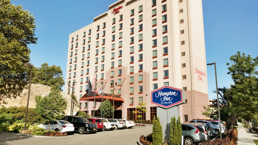 Hampton Inn New York - La Guardia Airport
