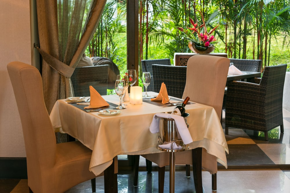 Dining, The Royal Corin Thermal Water Spa & Resort