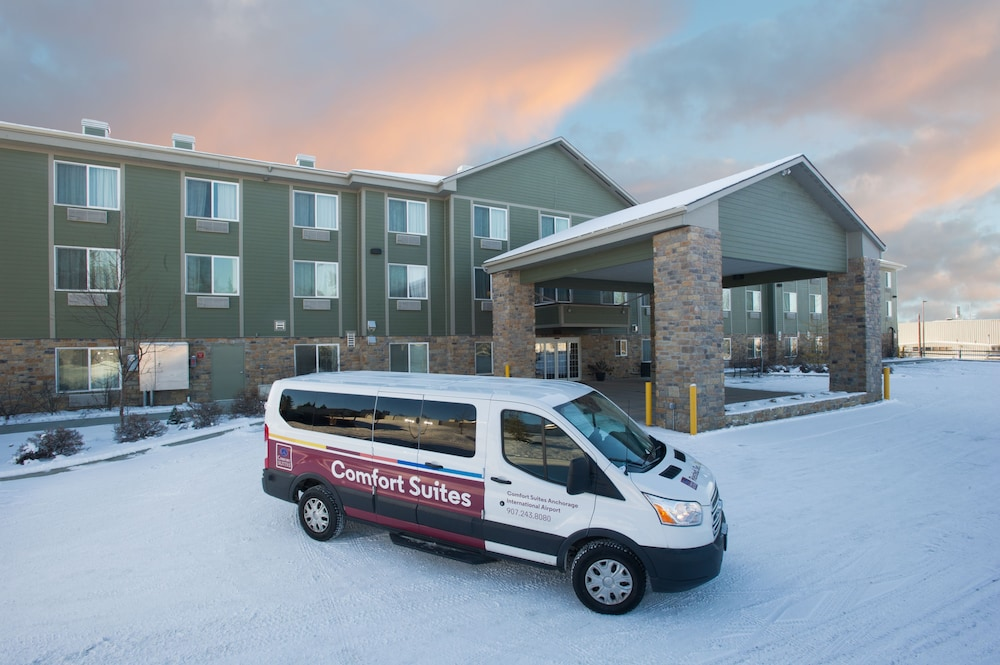 Front of Property, Comfort Suites Anchorage International Airport