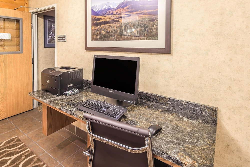 Business Center, Comfort Suites Anchorage International Airport
