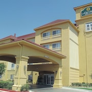 La Quinta Inn & Suites by Wyndham Lawton / Fort Sill