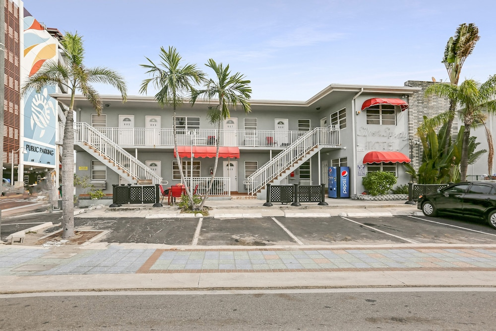 Front of Property, Hollywood Beach Hotels