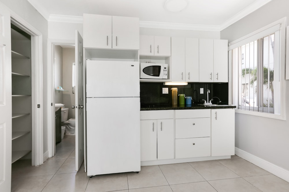 Private Kitchenette, Hollywood Beach Hotels