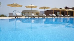 Indoor pool, 4 outdoor pools, pool umbrellas