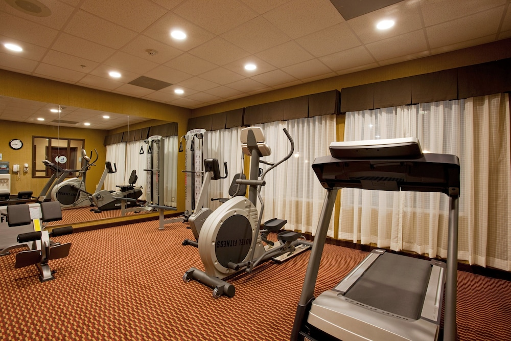 Fitness Facility, Holiday Inn Express Hotel & Suites Frazier Park