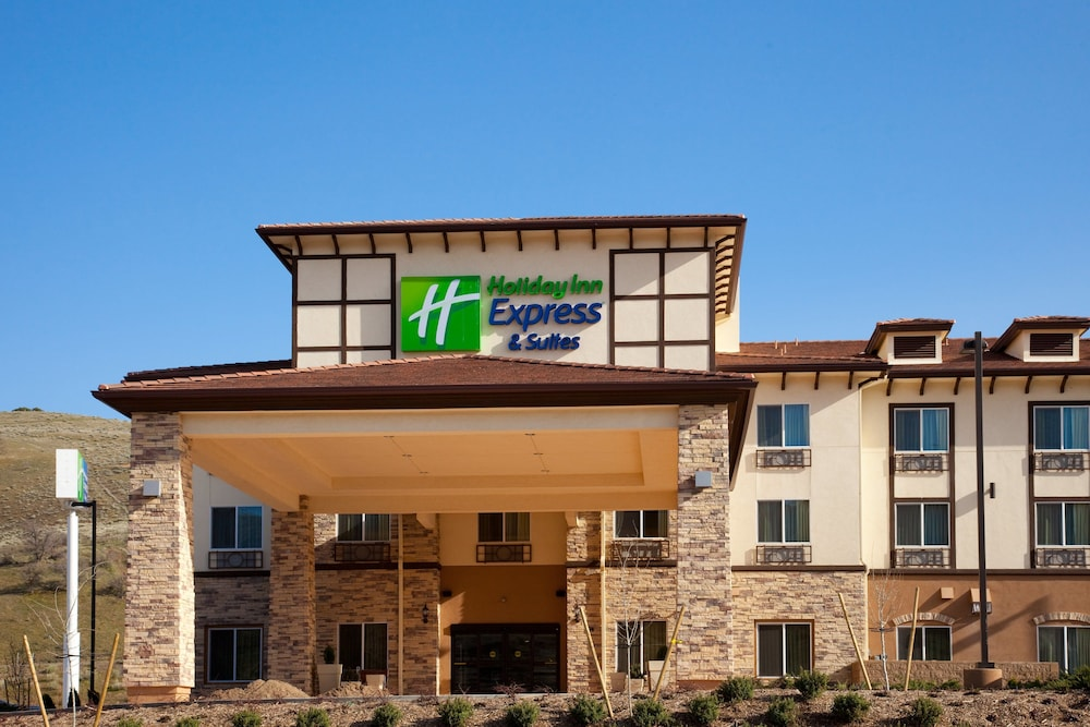 Exterior, Holiday Inn Express Hotel & Suites Frazier Park