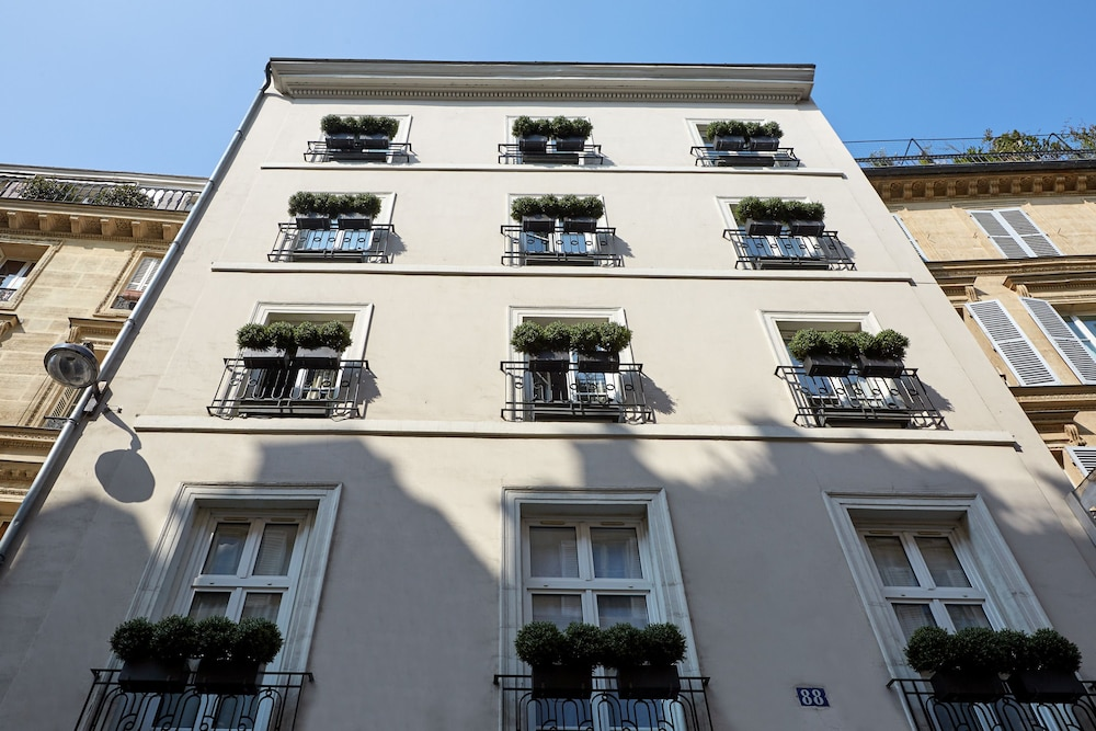 Front of Property, Hotel Saint Germain