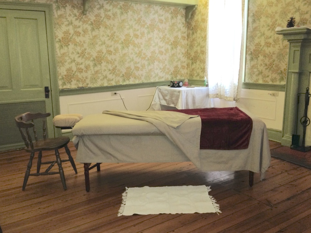 Massage, The Buckhorn Inn