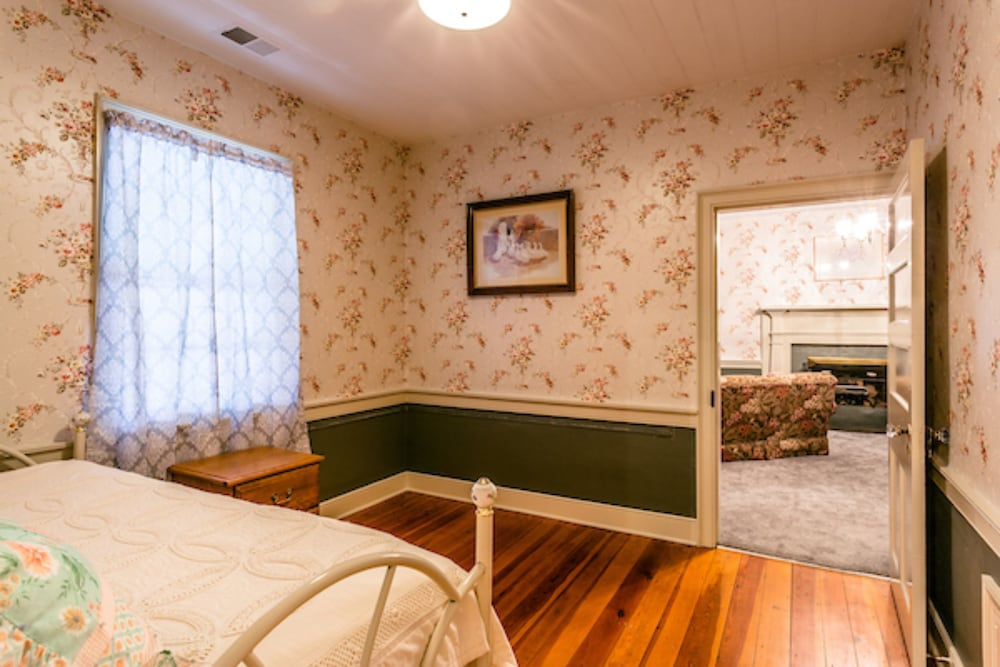 Room, The Buckhorn Inn