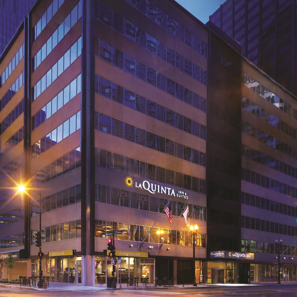 La quinta inn suites chicago downtown chicago united for Best hotel deals downtown chicago