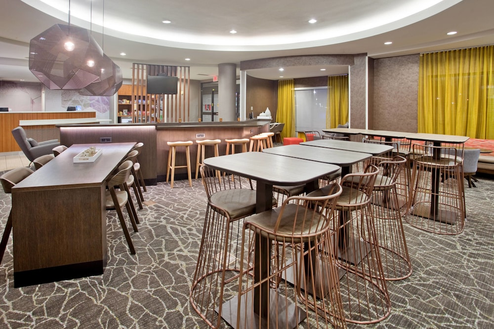 Restaurant, SpringHill Suites by Marriott Wichita East at Plazzio