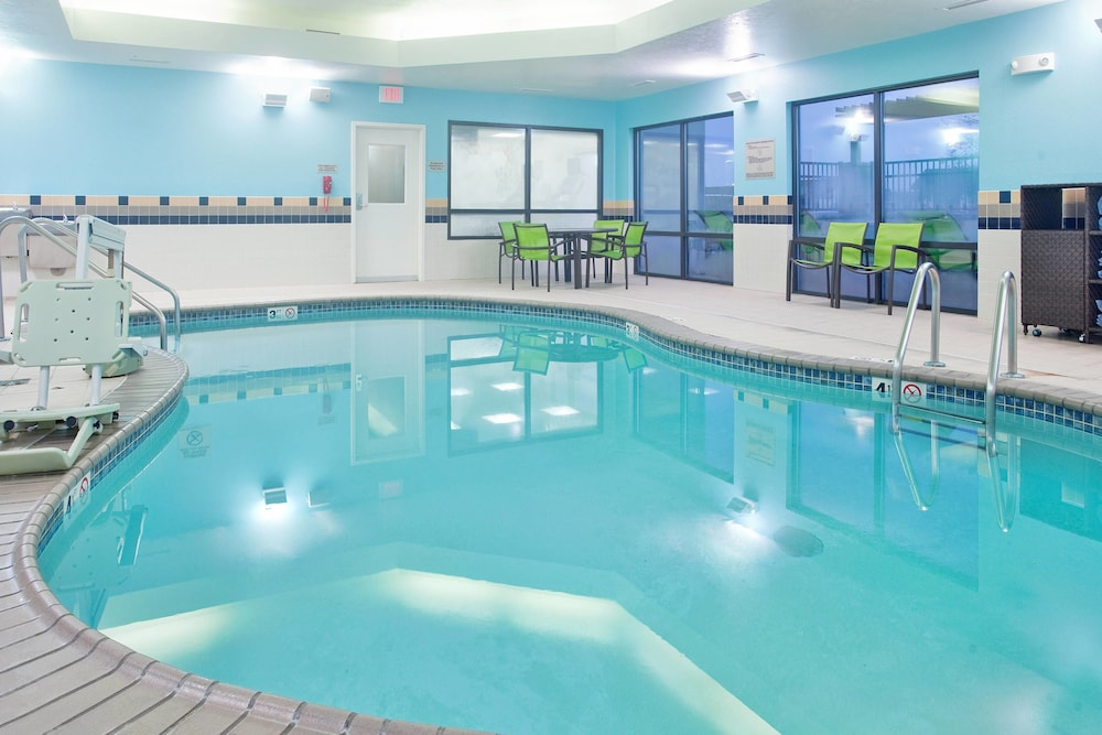 Pool, SpringHill Suites by Marriott Wichita East at Plazzio