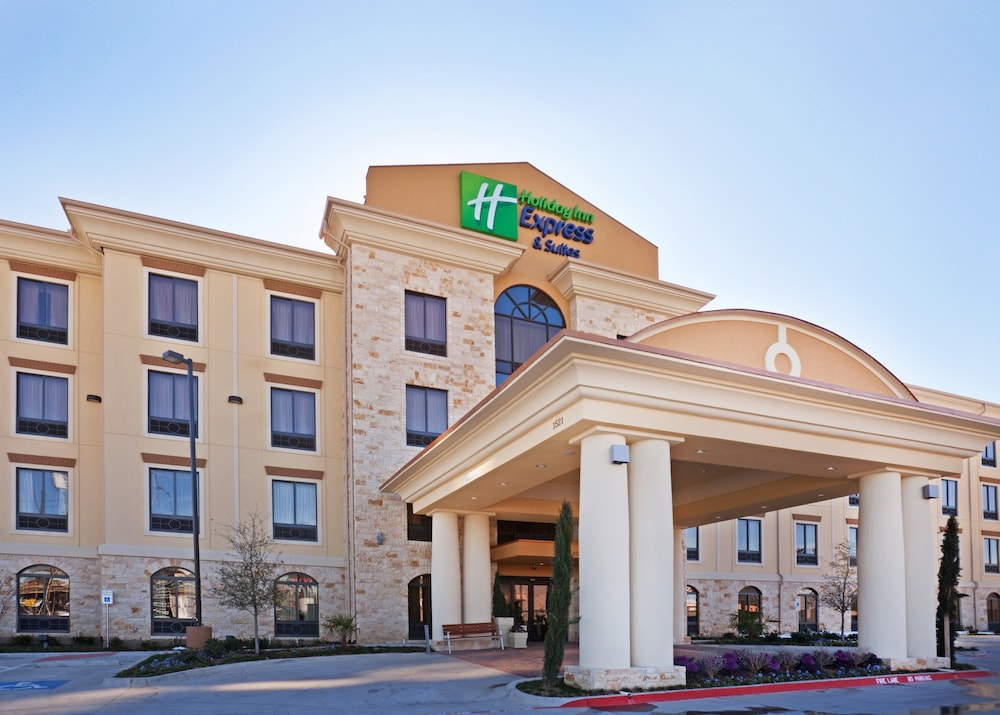 Kết quả hình ảnh cho Holiday Inn Express Hotel & Suites Dallas Central Market Center agoda