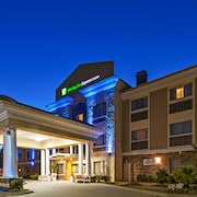 Holiday Inn Express and Suites Henderson