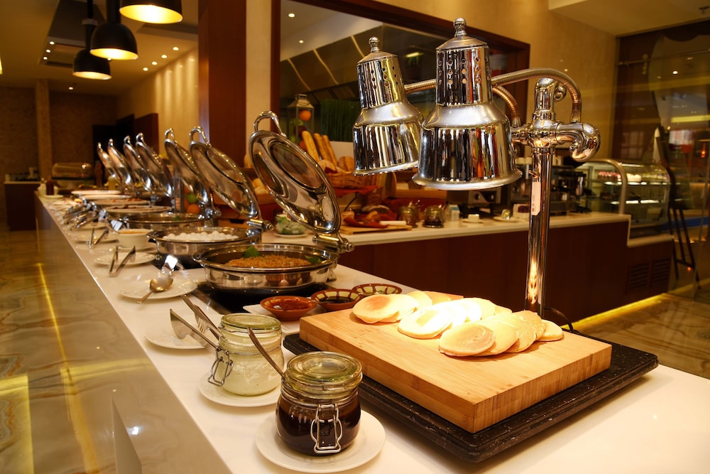 Breakfast buffet, Mercure Gold Hotel Al Mina Road Dubai